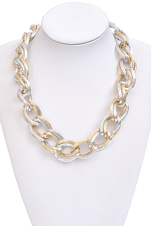 Contrasted Chain Necklace
