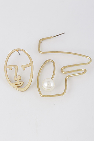 Show Your Face Earrings 8BBA7