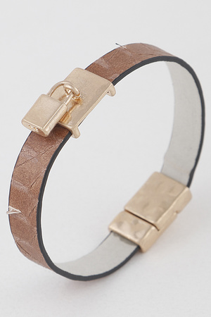 Lock Pendant Faux Leather Bracelet