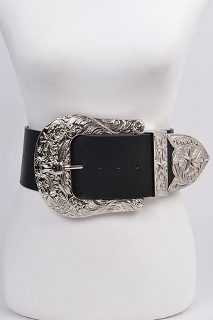Bulky Buckle Belt.