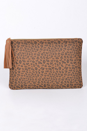 Leopard Patterned Basic Clutch With Tassel.