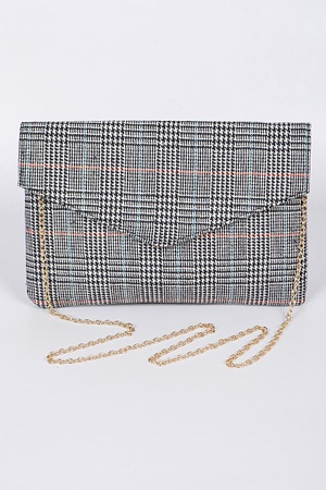 Your Envelope Clutch With Chain Details