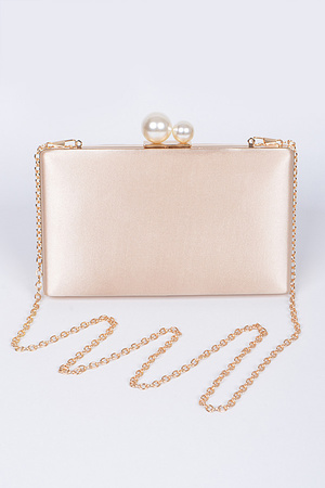 Plain Party Clutch With Pearl Details