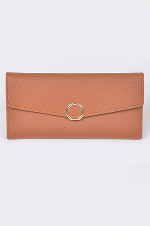 Plain Clutch With Circle Detail