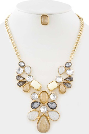 Gems necklace_3KCG6